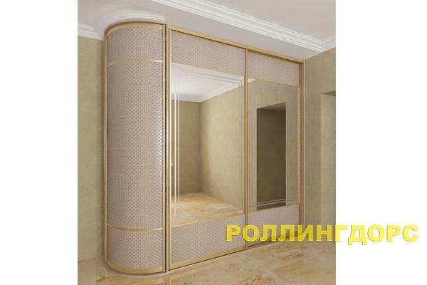 Встроенный шкаф с радиусной дверью на заказ в москве.