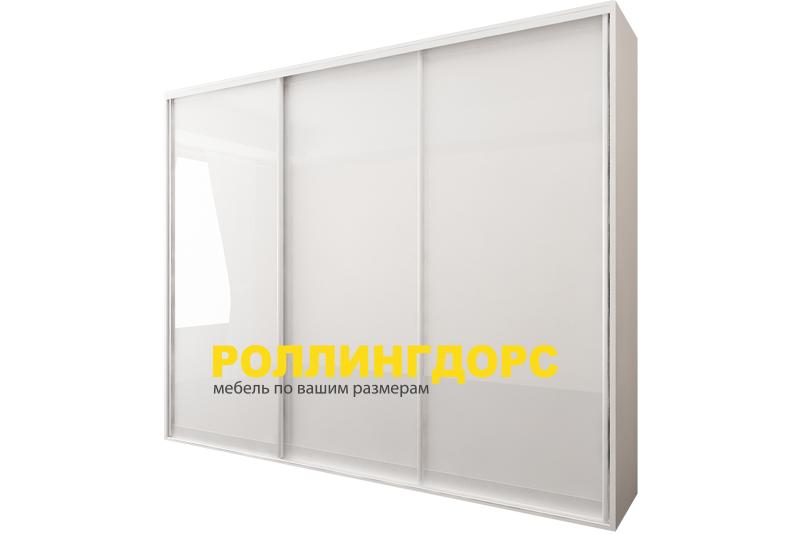 Белый глянцевый встроенный шкаф-купе на заказ в москве.